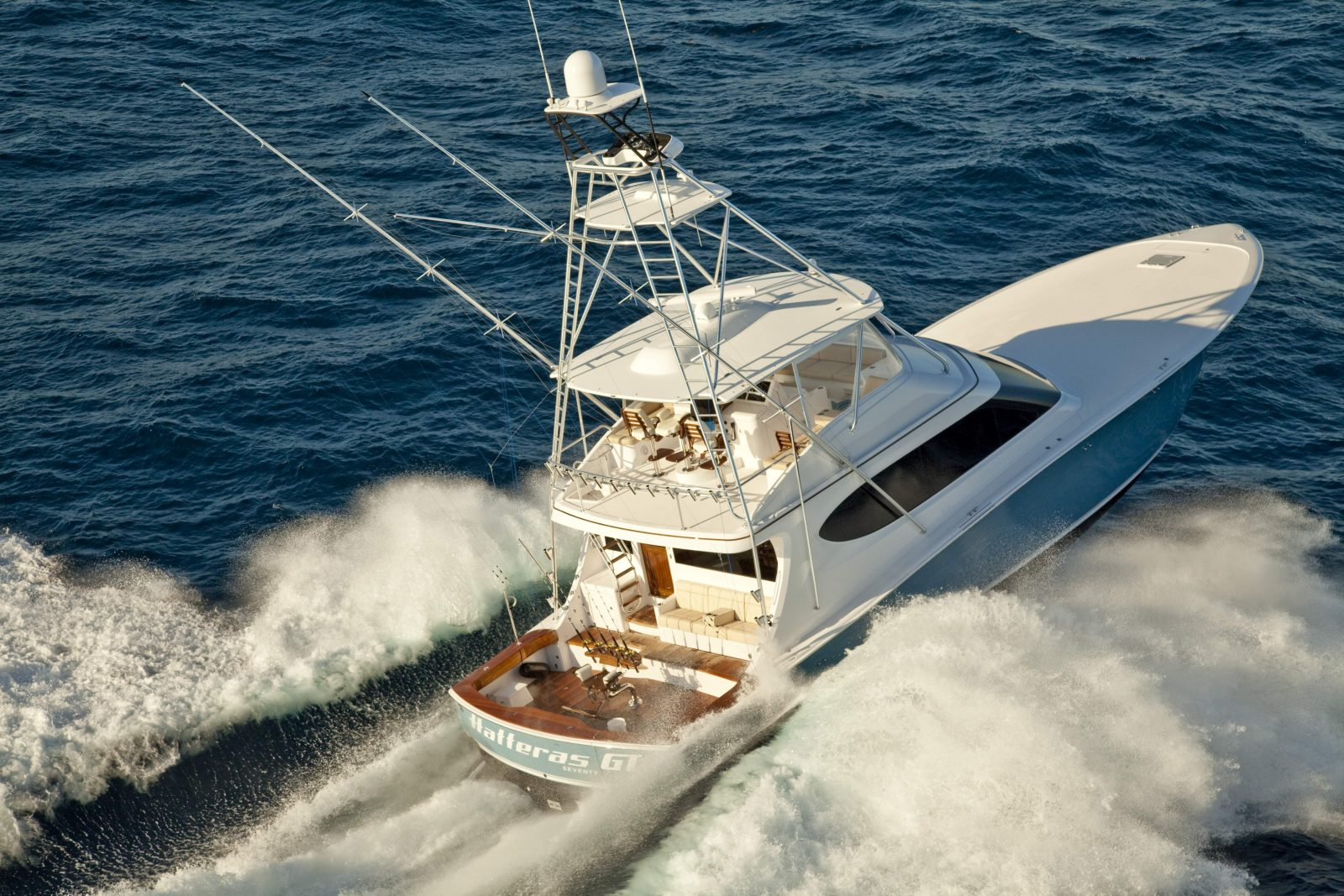 Luxury yacht for Sale | GT70 by Hatteras Yachts