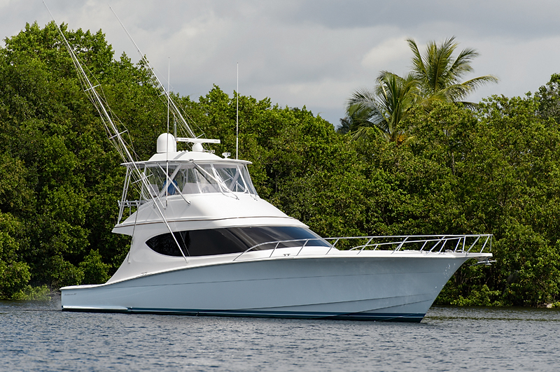 Luxury yacht for Sale | GT54 by Hatteras Yachts