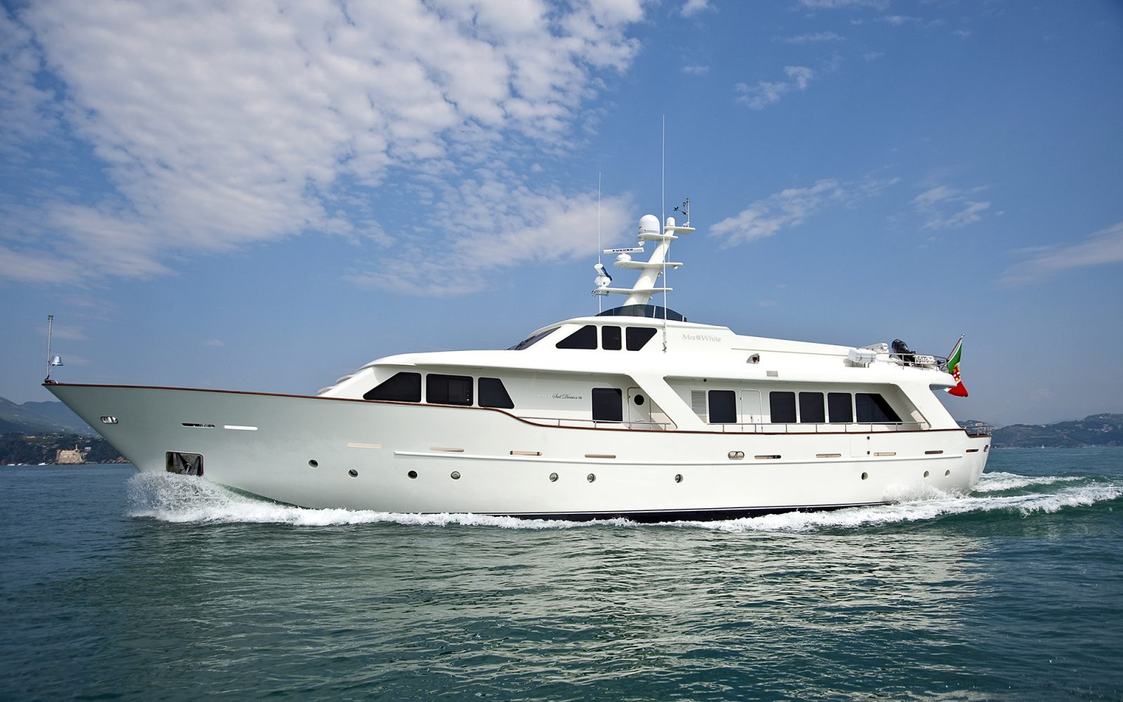 Luxury yacht for Charter | MRS. WHITE by Benetti