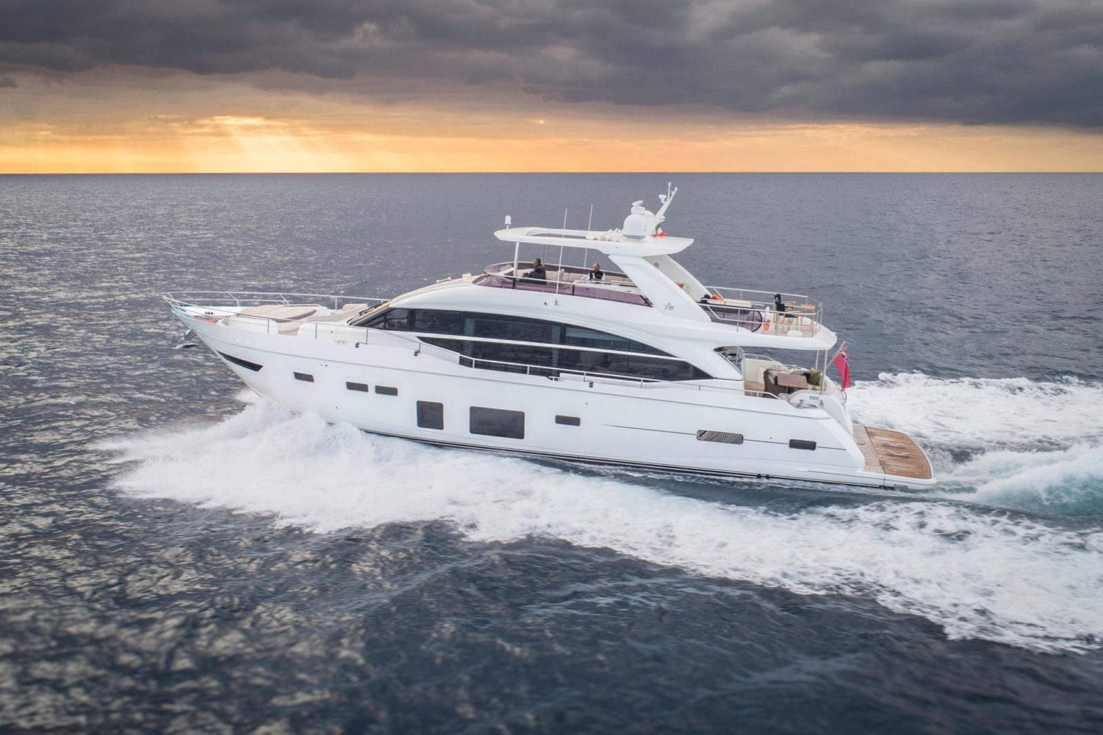 Luxury yacht for Sale | PERI by Princess