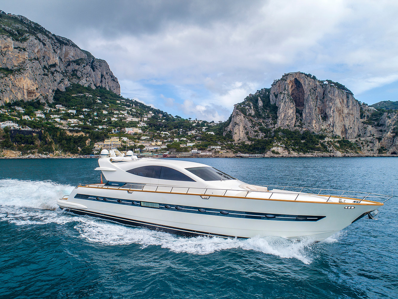 Luxury yacht for Charter | MOKI by CCN - Cerri Cantieri Navali