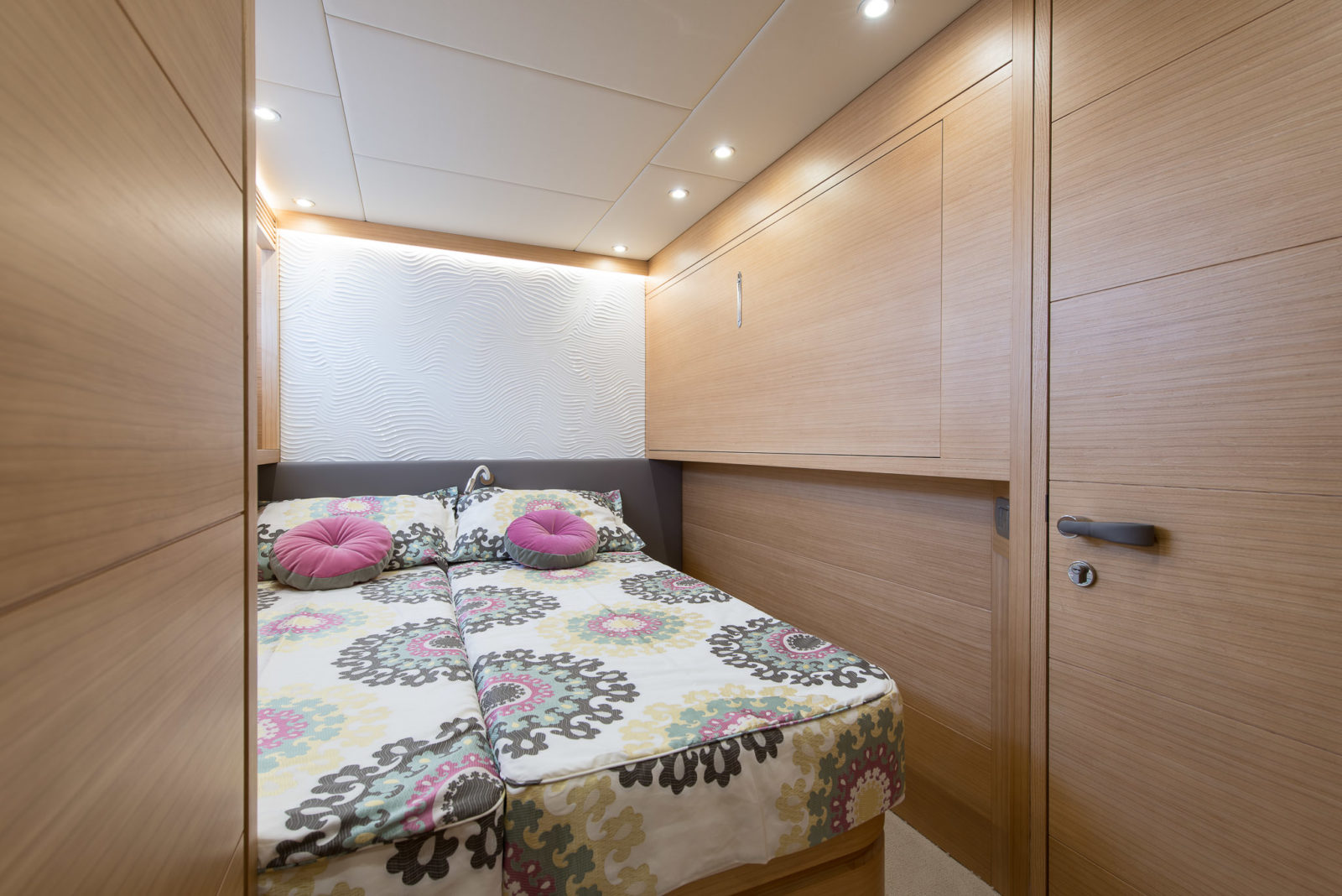 Twin:Convertible Stateroom (Double Bed To Single Beds, Plus Junior Bed) | Miredo